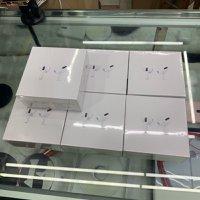 全新的Apple Airpods PRO-在Apple保修下密封出厂WhatsApp聊天:53721095